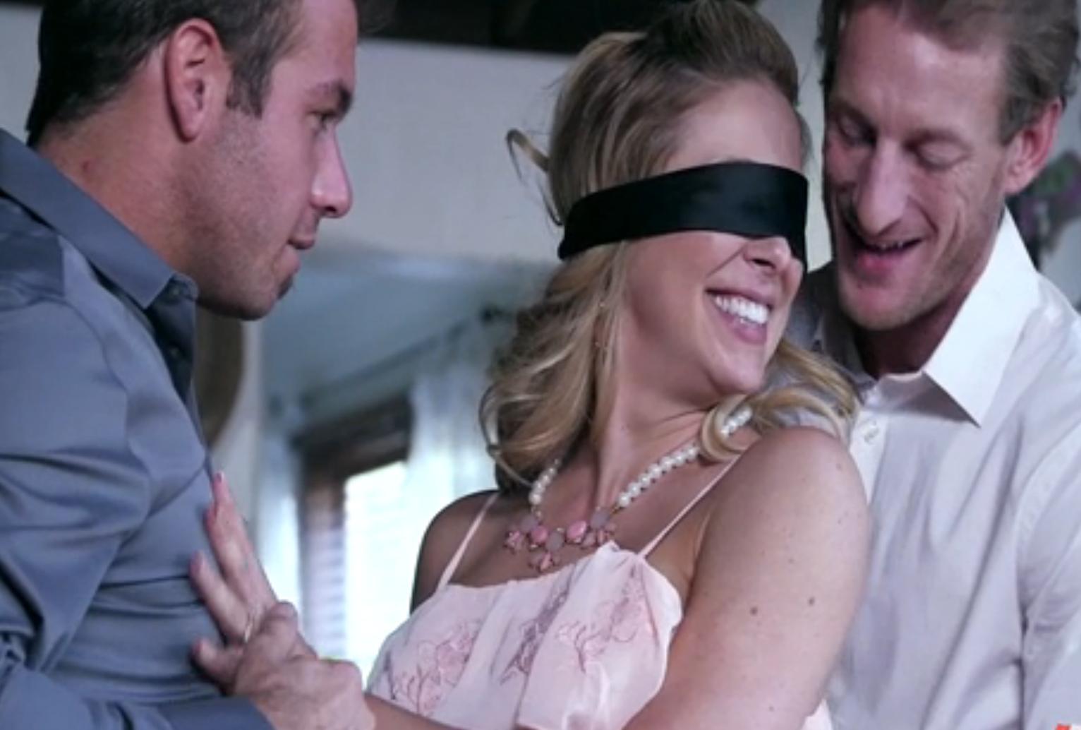 Видео секс с закрытыми глазами