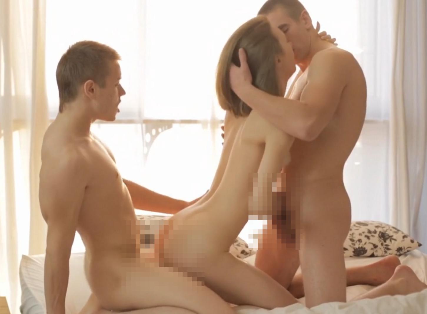 utrenniy-seks-vtroem